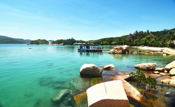 Cảnh biển tuyệt đẹp ở vịnh Vân Phong. Ảnh: ST