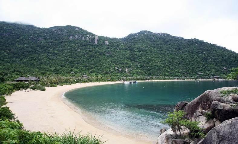 Vinh Ninh Vân – Một trong những vịnh biển đẹp của Nha Trang. Ảnh: VTV