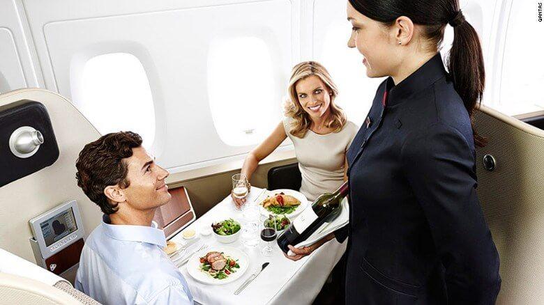 bũa ăn trên máy bay